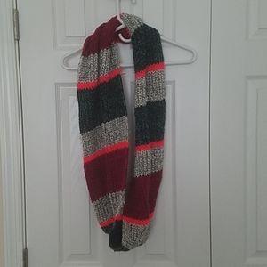 AE infinity scarf